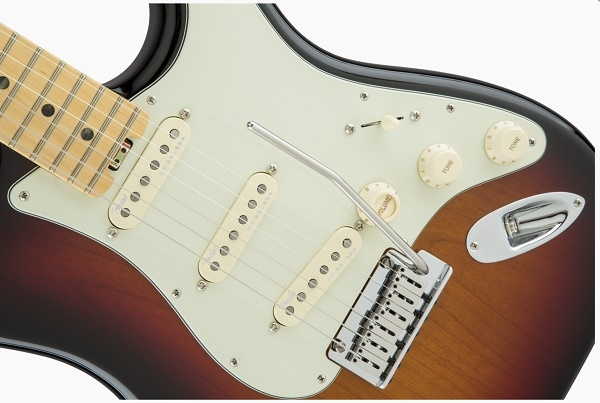 Fender - [0114002700] AMERICAN ELITE STRATOCASTER®, 3-Color Sunburst